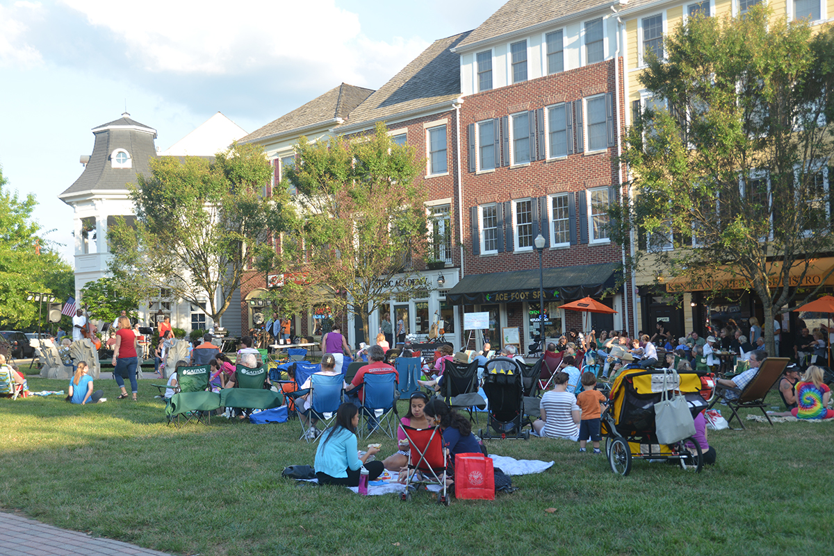 Open-Space-Kentlands-Town-Green-Gathering