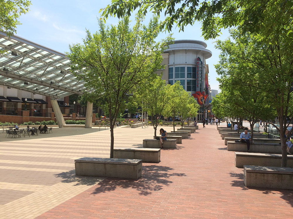 The Silver Spring Civic Building and plaza are inextricable. The axis of the sidewalk along Ellsworth Drive extends through the plaza, into the building past an open courtyard, connecting to the residential neighborhood to the north. Each design gesture enhances the public realm of the city.