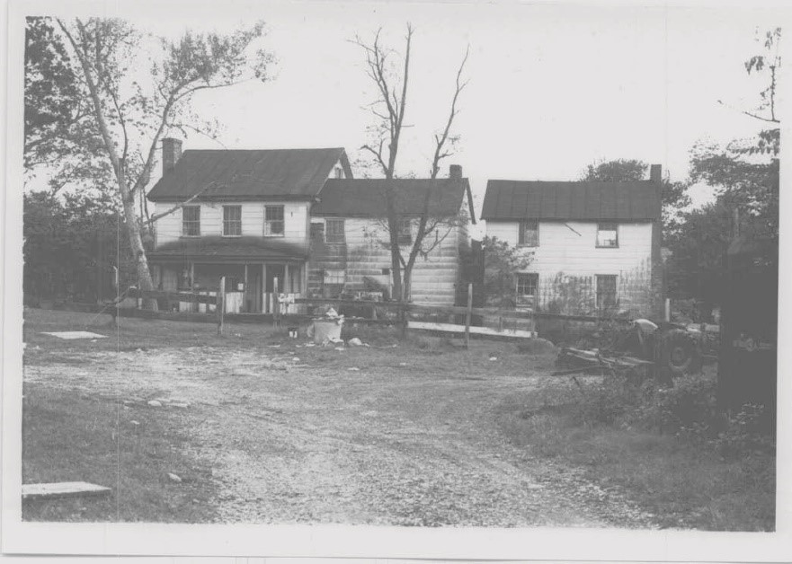 The earliest available photograph of the Thomas H. White House shows the property in 1973